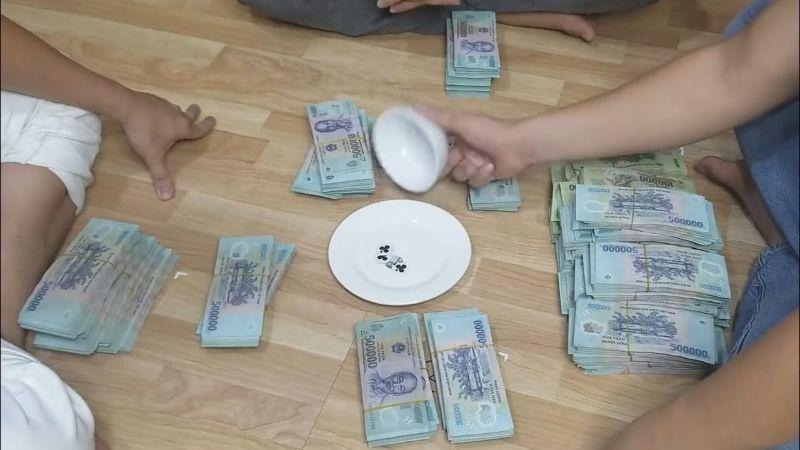 Xóc đĩa xanh chín là một trò chơi cá cược có nguồn gốc từ Trung Quốc
